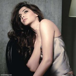 Sonam Kapoor Bollywood Actress Biography, Sexy Photos