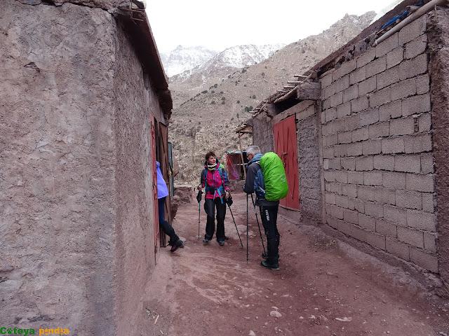 parada para tomar un té, camino del Refugio del Toubkal
