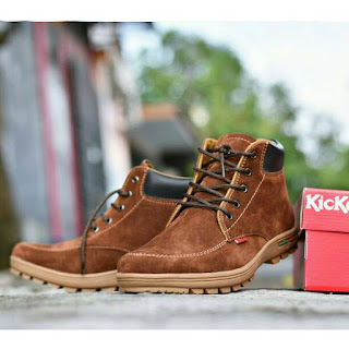 sepatu kickers casual