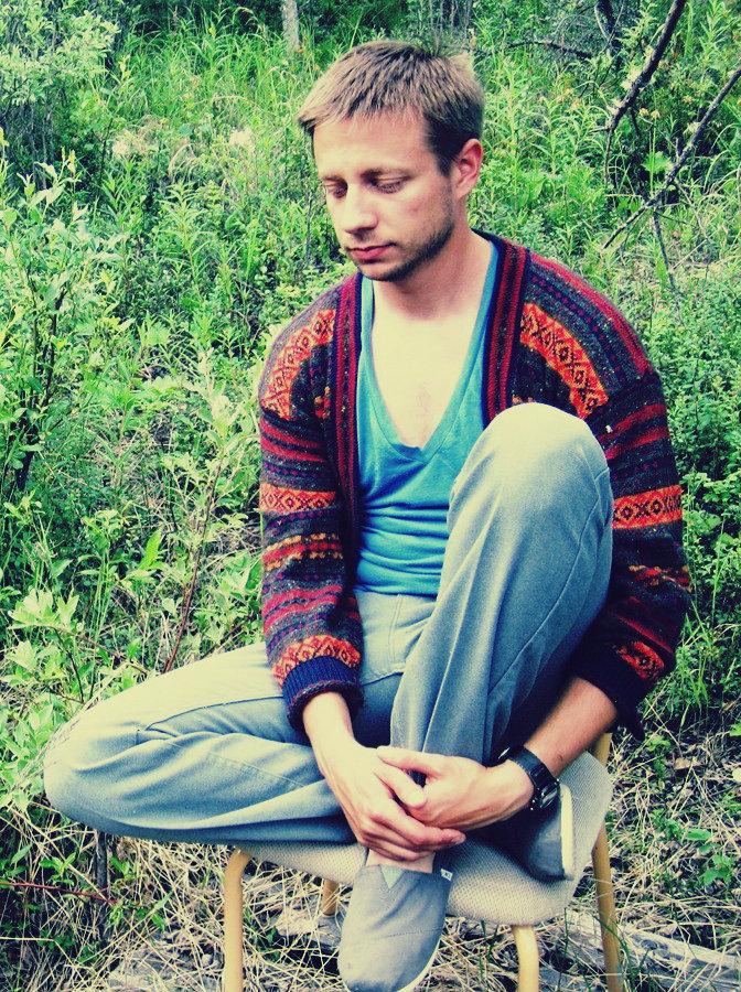 Huxtable Sweater; Vintage V-neck; Soft-wash vintage jeans; Tom's Vegan slip-ons
