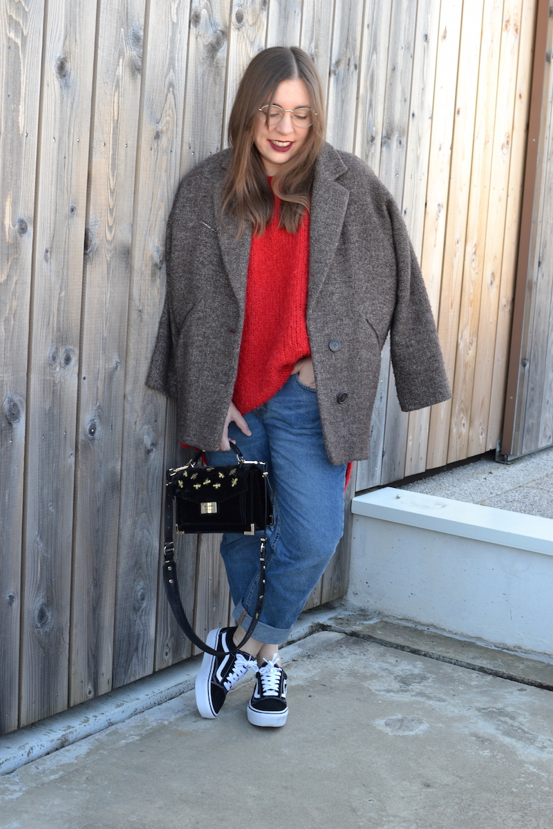 pull rouge American VIntage, manteau Isabel Marant, jean Pull and Bear, vans plateforme, sac Emily the Kooples