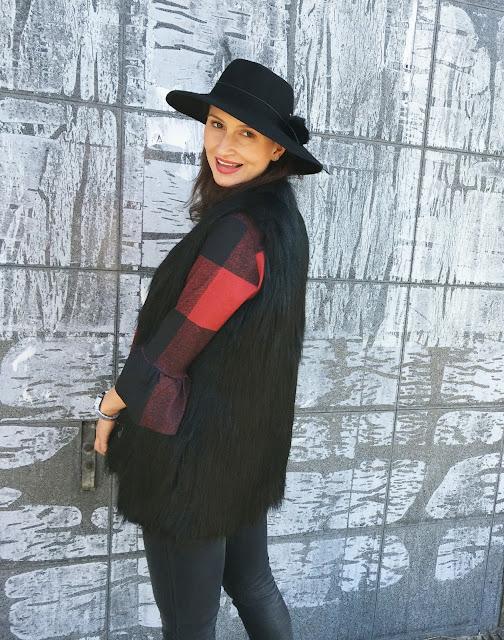 futrzak, futrzana kamizelka, jak nosić, jesienne inspiracje, jesienny styl, kapelusz, kapelusze, koszula w kratę, krata, poznań streetstyle, street style, streetstyle, streetstyle jesien,