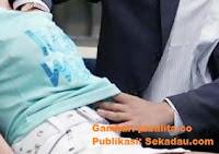 SEKADAU, Belitang Hilir, Desa Merbang -  Seorang Ibu  korban melaporkan inisial VK (33th) ke Polres Sekadau tentang dugaan melakukan pencabulan kepada anaknya dengan inisial MY(13th) dan korban lainnya EE(14th), ER(14th) pada hari selasa tanggal 16/5/2017,