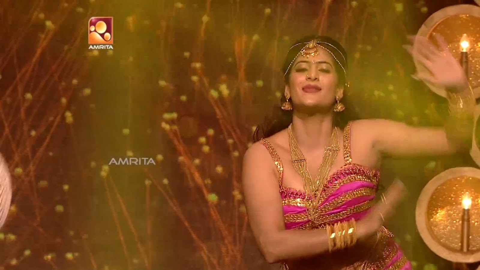 Neha Saxena Hot Navel Show Photos
