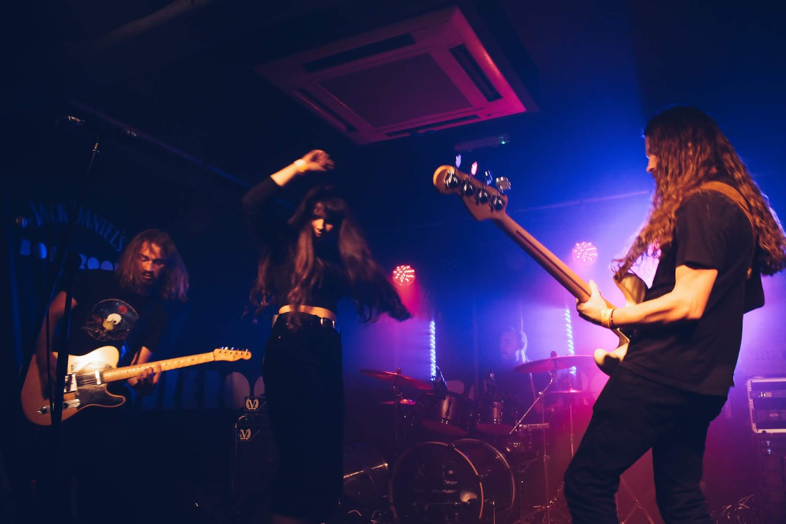 Music In Time: Review: Women Of Rock! (XERO, Wild Card, VNDTA
