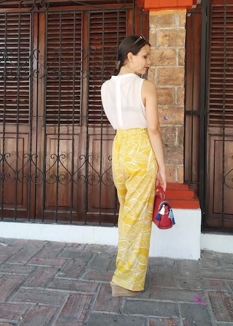 blogger pantalón amarillo ootd
