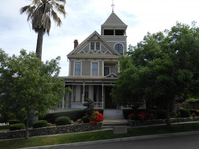 historic homes, folsom, california, palm tree