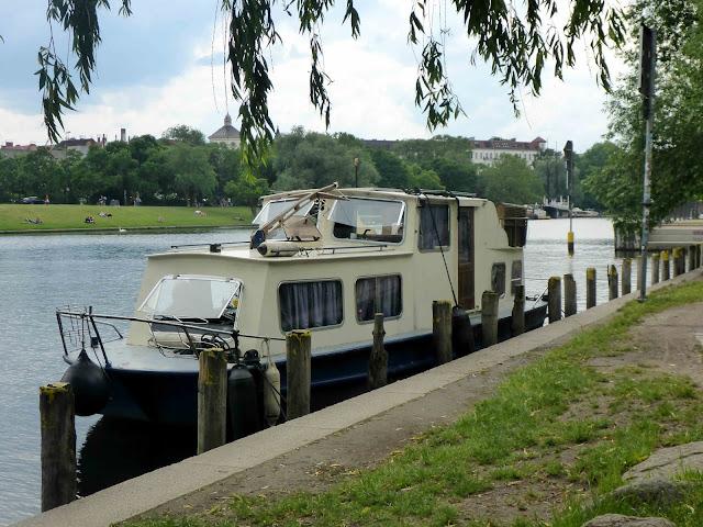 Privatschiffchen am Ufer
