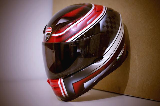 racing helmets garage shoei xr 1100 ducati corse by. Black Bedroom Furniture Sets. Home Design Ideas