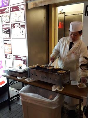10D9N Spring Japan Trip: Grilled Butter Scallops at Dotonbori, Osaka