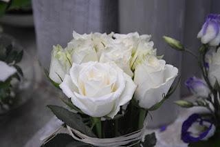 Bunga mawar putih harum