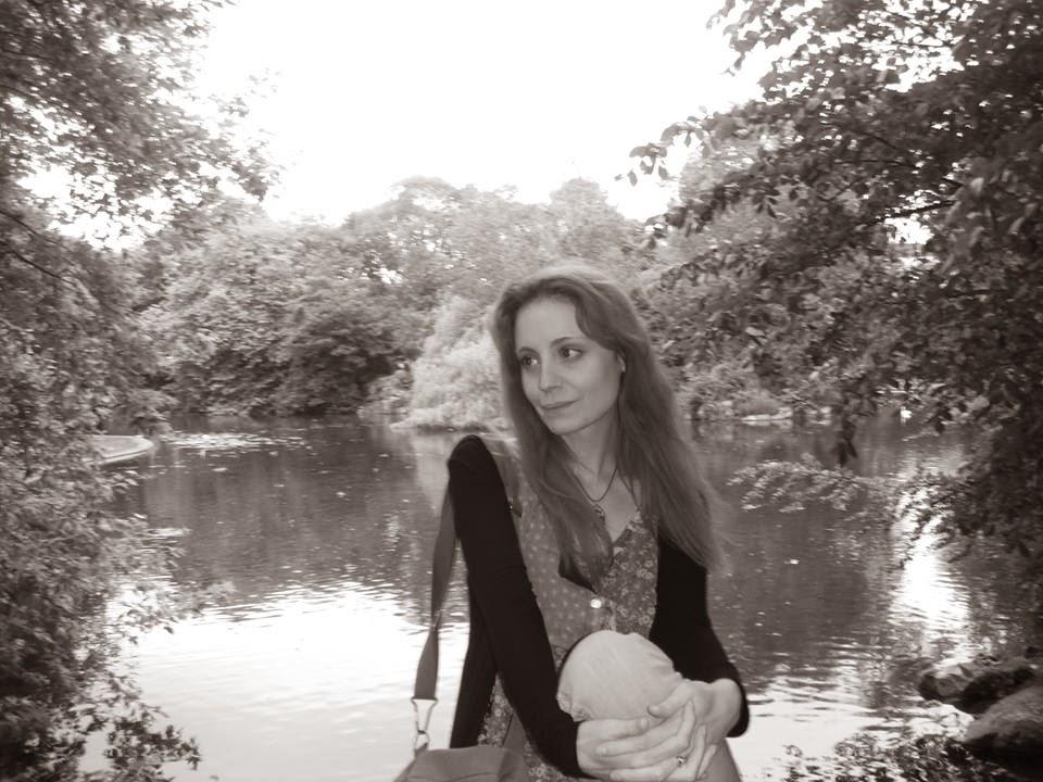 Headstand - Eclectic Music & Spoken Word: Interview: Sarah