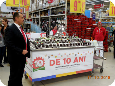 tort aniversar Auchan 10 ani