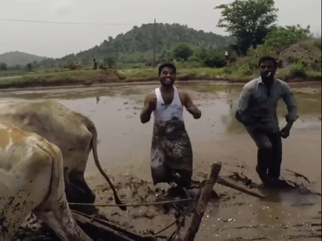 Two Indian farmers become viral with KikiChallenge video