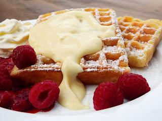 waffles con natilla