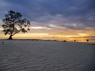 Hasil gambar untuk gambar pantai sulaiman kalimantan