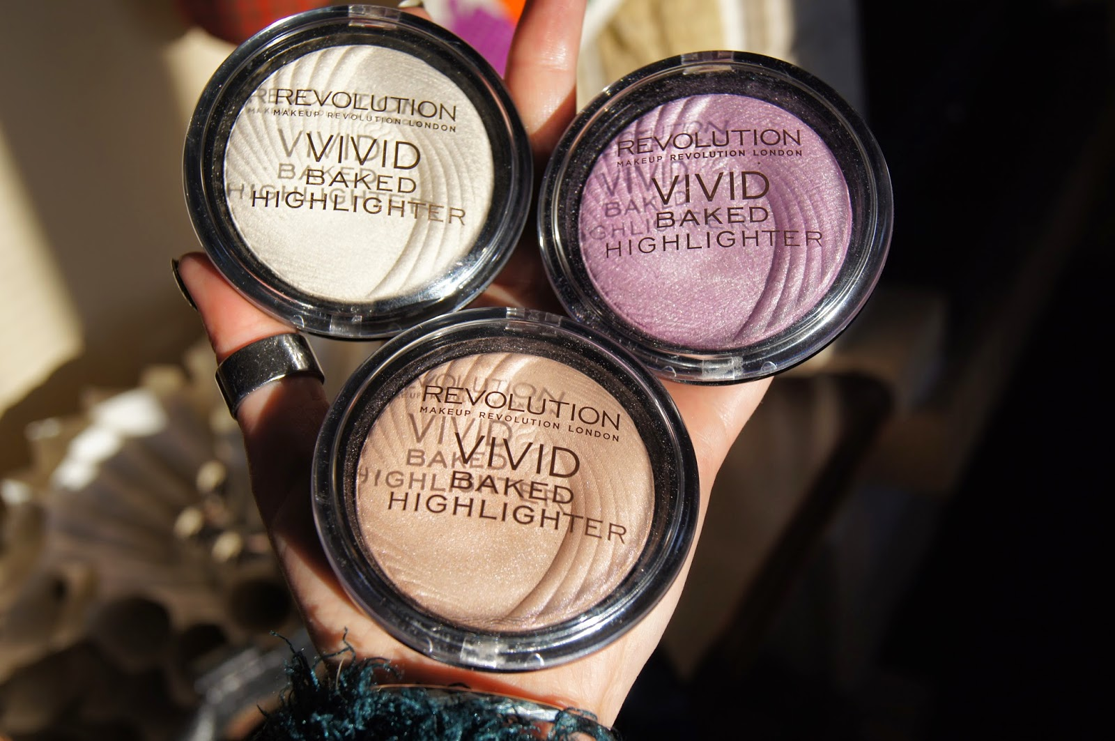 Makeup Revolution Baked Highlighter Rożświetlacz Opinia Recenzja