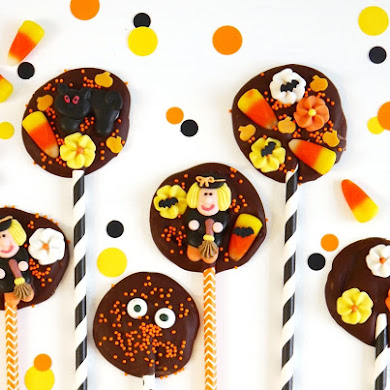 Halloween Chocolate Bark Lollipops Recipe