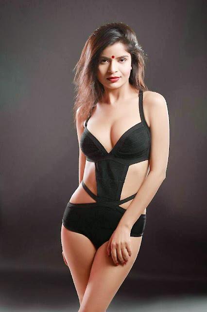 Gehna Vashisht Model Sexy Photos Body Show
