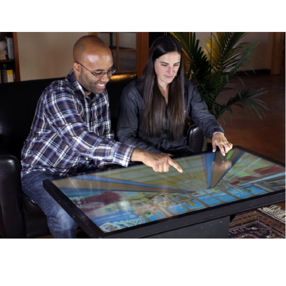 La table basse Multitouch tactile par Ideum