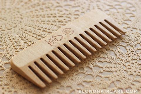 Drewniany grzebień z The Body Shop - moja opinia - czytaj dalej »