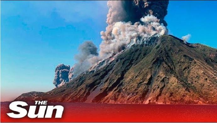 Η στιγμή της έκρηξης στο ηφαίστειο Στρόμπολι (βίντεο)