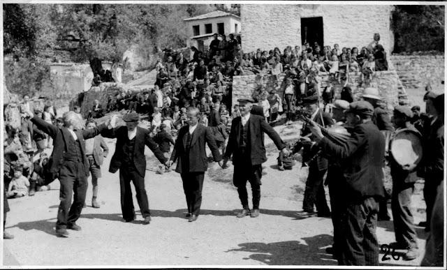 Θεσπρωτία: Οι Μπουκαλαίοι της Παραμυθιάς,οι πιο γνωστοί οργανοπαίχτες της Θεσπρωτίας τα παλαιότερα χρόνια!