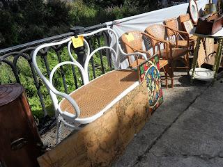 Detalles de piezas en desembalaje de Sajazarra