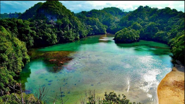 20 Tempat Wisata Malang Kota Terbaru Terfavorit Anti Mainstream  Pantai Sendang Biru