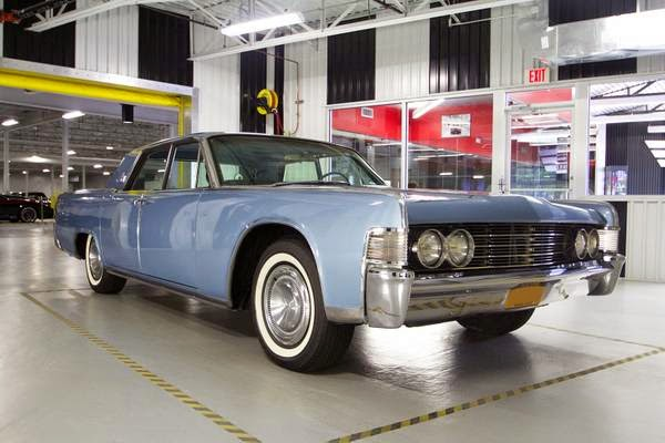1965 lincoln continental excellent conditions auto restorationice. Black Bedroom Furniture Sets. Home Design Ideas