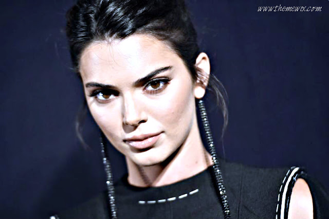 What On Earth Could Kendall Jenner Be Sharing ? Vulture Wildly Conjectures