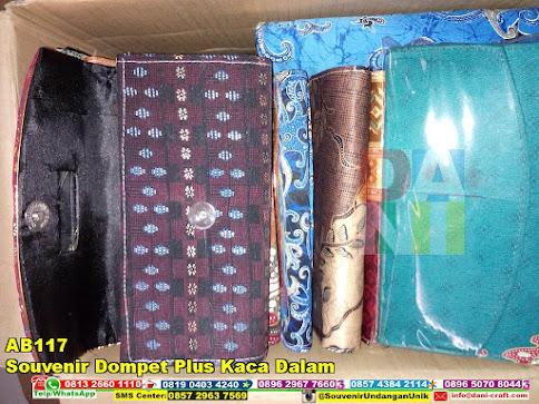 jual Souvenir Dompet Plus Kaca Dalam
