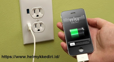 Tips melakukan charging smartphone dan laptop