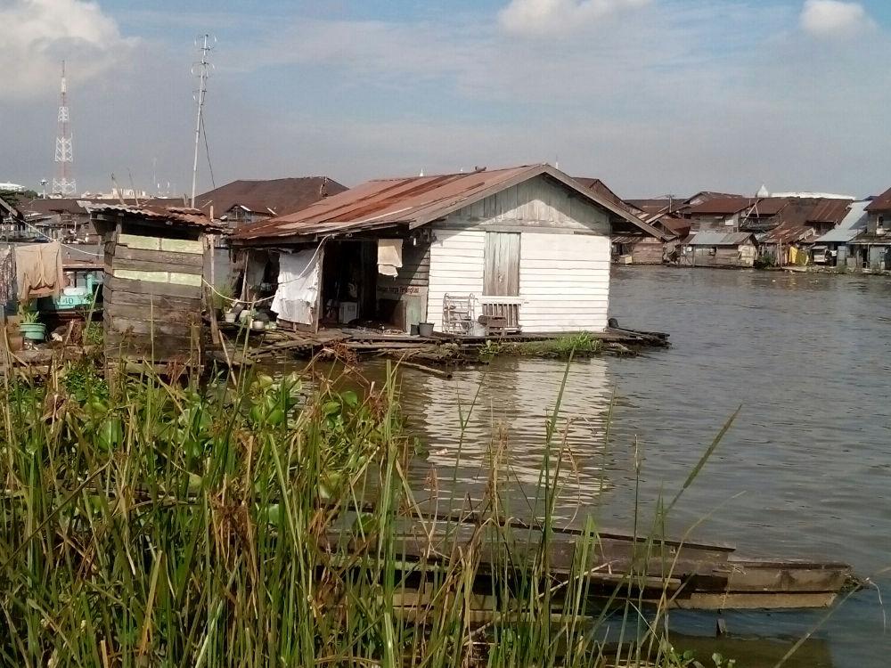 Rumah Lanting: Rumah Goyang ala Borneo