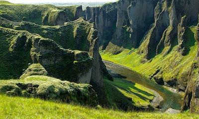 L'Islanda: Ricerca e scheda tecnica