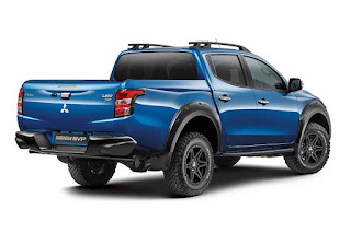 Mitsubishi L200 Barbarian SVP Double Cab (2017) Rear Side