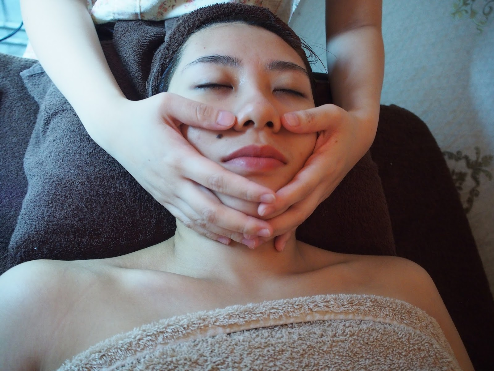 My Cosy Room Singapore Orchard Floral Radiance Facial Review