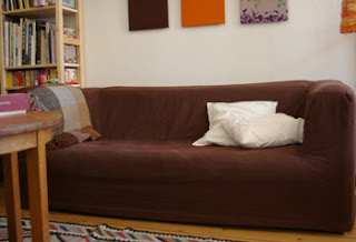 n hfein ein neues kleid f r das sofa. Black Bedroom Furniture Sets. Home Design Ideas