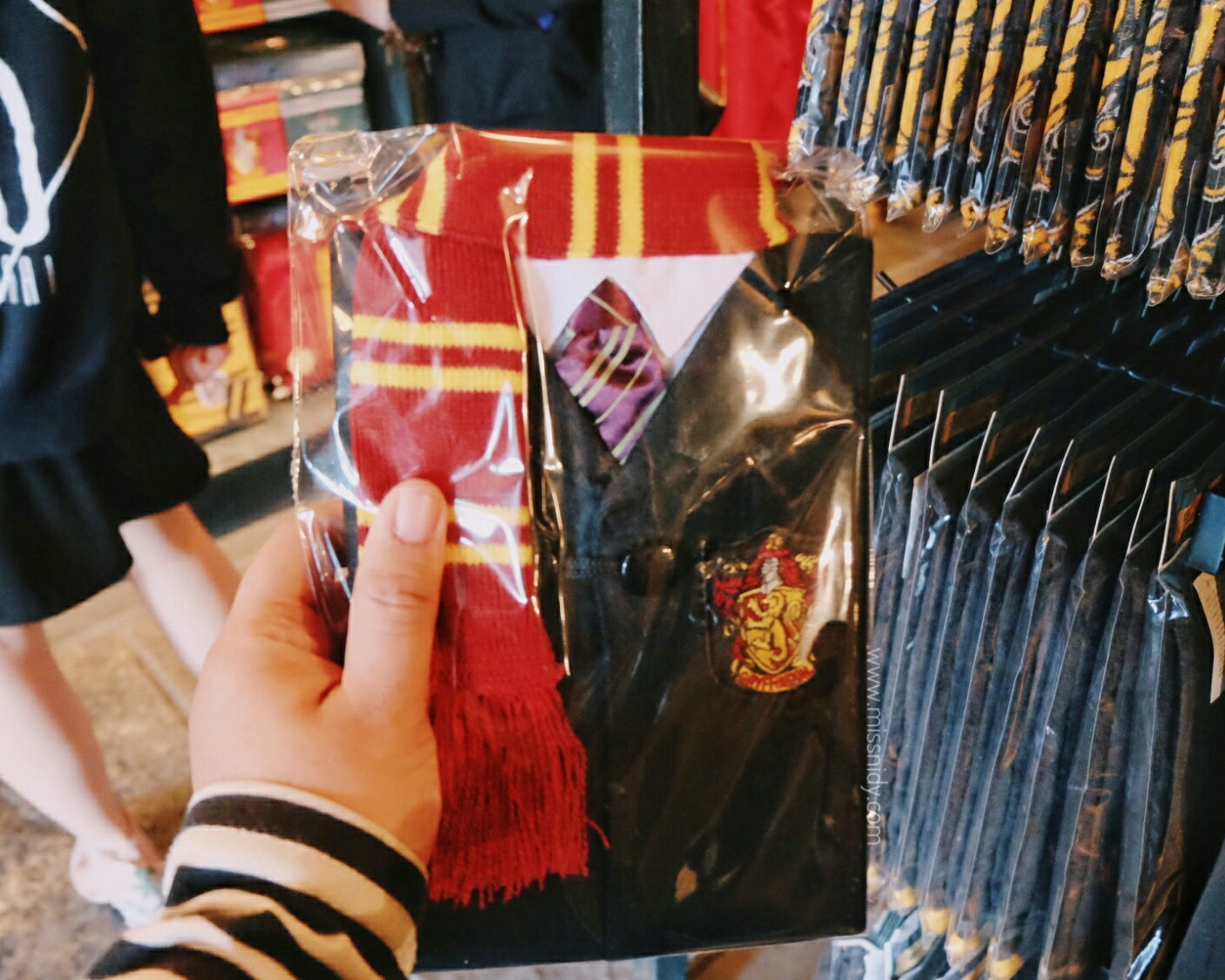 harga souvenir harry potter di USJ