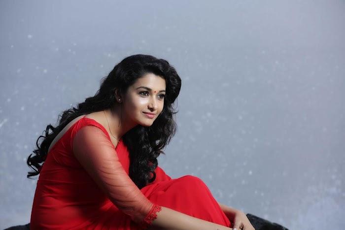 Priya Bhavani Shankar Cute and Hot Photos-Beautiful HD Pictures