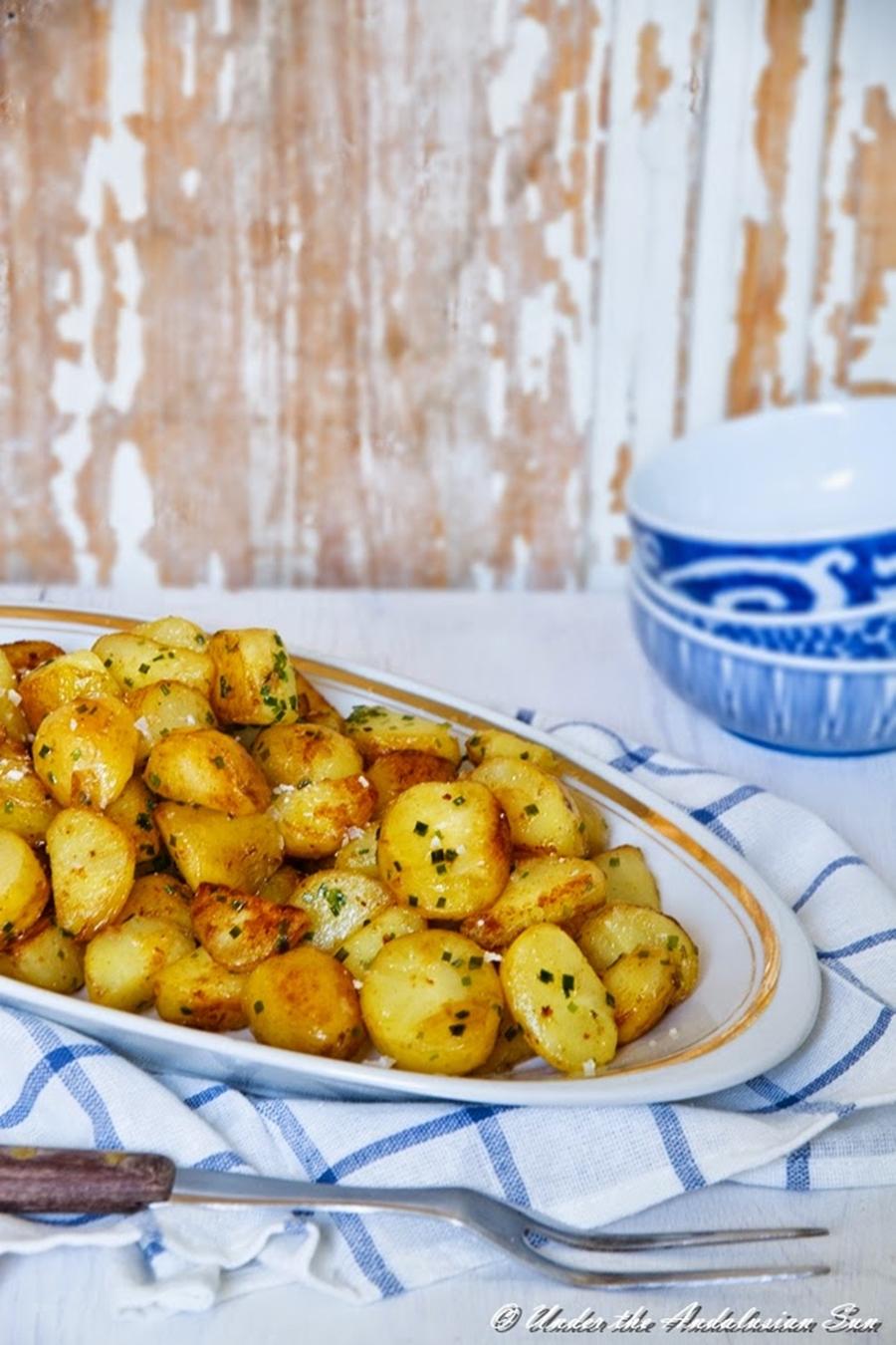 Andalusian auringossa_perunareseptejä ympäri maailman_salt and vinegar potatos_gluteeniton