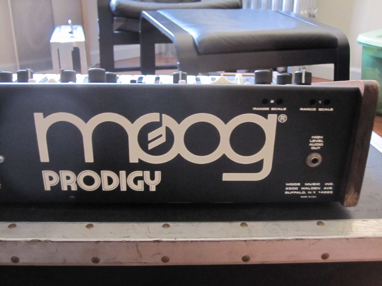 MATRIXSYNTH: Moog Prodigy with Anvil Case SN 6301