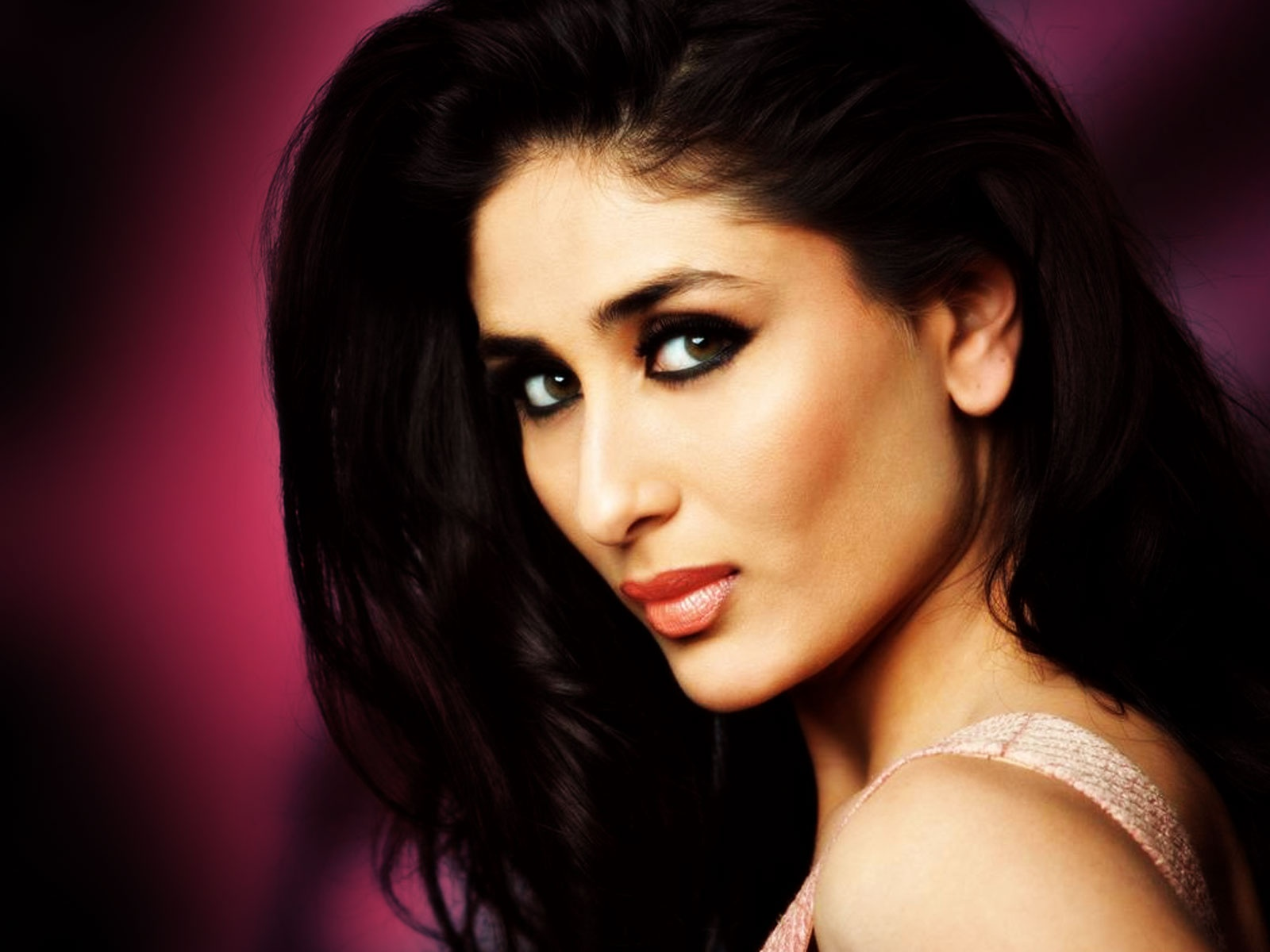 Hot Video Songs: Kareena Kapoor very very hot song from ...