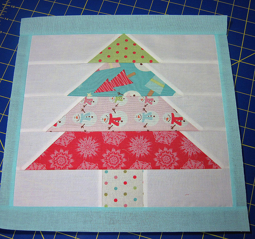 Paper Pieced Christmas Tree Pattern: FREEBIES FOR CRAFTERS: Christmas Tree Block