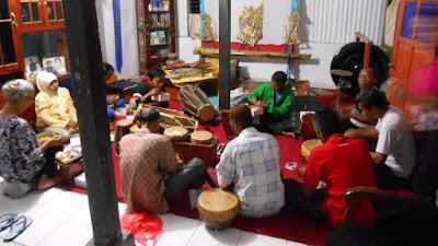 Kentrung Seni Musik Tradisional Penggiring Wayang Dari GKJ Pituruh