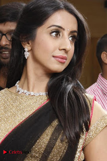 Sanjjanaa Galrani Pictures in Saree at Durian Showroom Inaugration