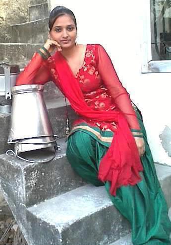iPhoneZone: Actress Mila Kunis iPhone Wallpapers
