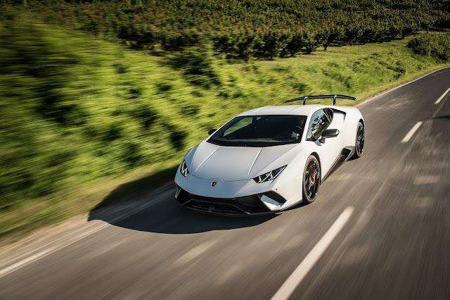 Lamborghini experimenta crescimento de vendas em 2017