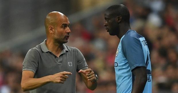 """Yaya Touré accuse Pep Guardiola d'avoir des problèmes avec les «joueurs noirs"""""""