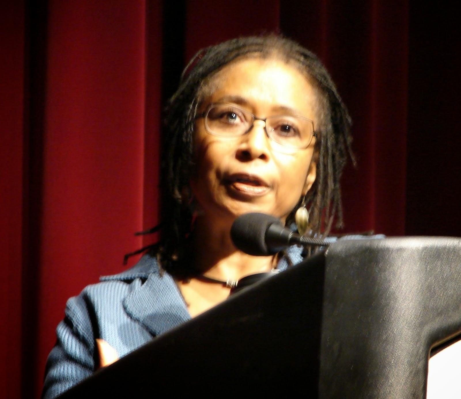 Photo of Alice Walker.  Image source: http://upload.wikimedia.org/wikipedia/commons/5/59/Alice_Walker.jpg